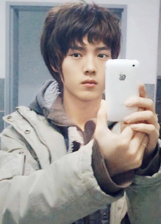 Nhan sắc Luhan trước khi debut hoàn hảo tới nhường nào: Mặt mộc đẹp không tì vết, ngũ quan hài hoà đến con gái cũng ghen tị - Ảnh 3.