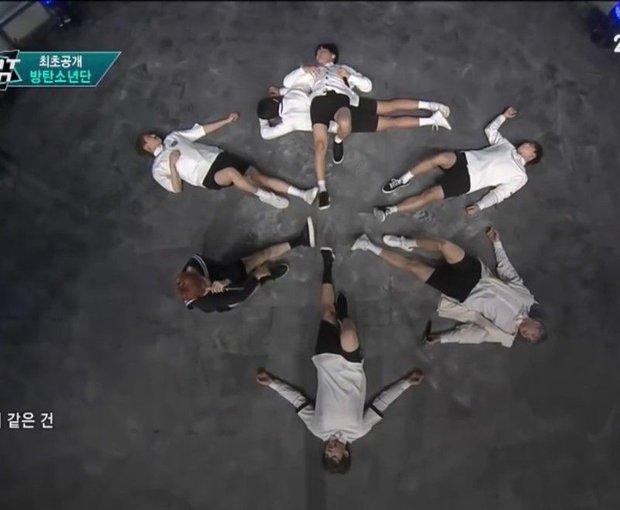 Knet bật cười trước phản ứng của V khi BTS có thành viên thứ 8, đào lại khoảnh khắc 5 năm trước đến giờ vẫn không thay đổi! - Ảnh 5.