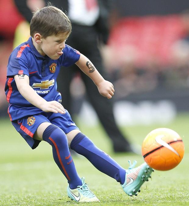 Kai Rooney gia nhập MU, nhưng cậu có xuất sắc như ông bố huyền thoại? - Ảnh 3.