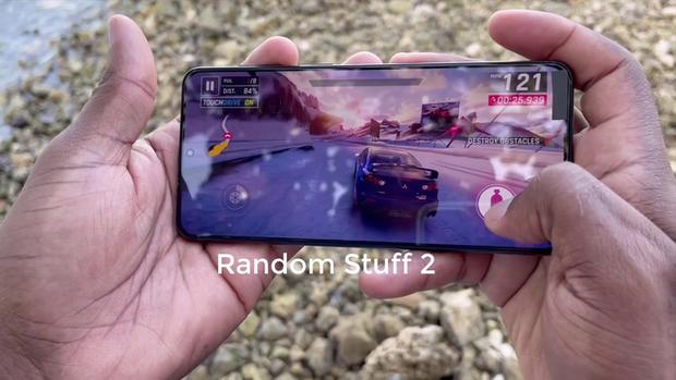 Chưa ra mắt nhưng Galaxy S21+ đã có đánh giá: Cảm giác cầm nắm cao cấp, cảm biến vân tay nhanh hơn, thời lượng pin ấn tượng - Ảnh 3.