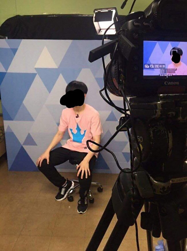 Vnet bàng hoàng trước hậu trường siêu giả trân của Inkigayo, tranh thủ cà khịa: Mấy nhóm đông dân chắc ngồi lên đầu nhau quá! - Ảnh 11.