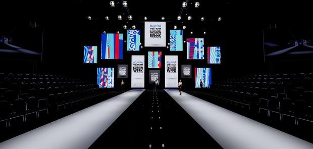 Cận cảnh sân khấu hoành tráng của Aquafina Vietnam International Fashion Week 2020: Cánh cửa cơ hội cao 11m, rộng 20m gây ấn tượng - Ảnh 1.