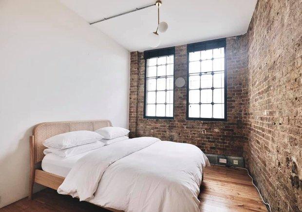 Cô gái Việt ở London mua nhà máy đồng hồ cũ rồi cải tạo thành nhà ở, chuyển hẳn nội thất từ Việt Nam sang - Ảnh 12.
