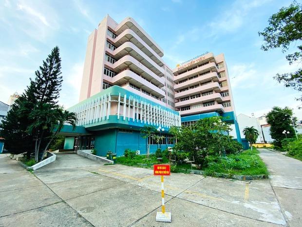 TP.HCM: Tổ bay Vietnam Airlines được cách ly tại khách sạn - Ảnh 1.