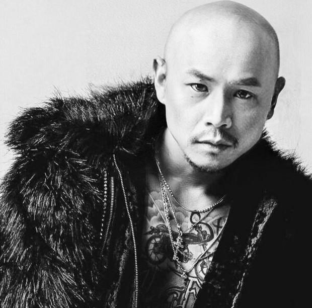 """Lầy như Hoàng Touliver: Cứ đăng hình bạn thân là phải """"dìm"""" mới chịu, hết Binz giờ đến Soobin Hoàng Sơn phải khóc thét - Ảnh 4."""