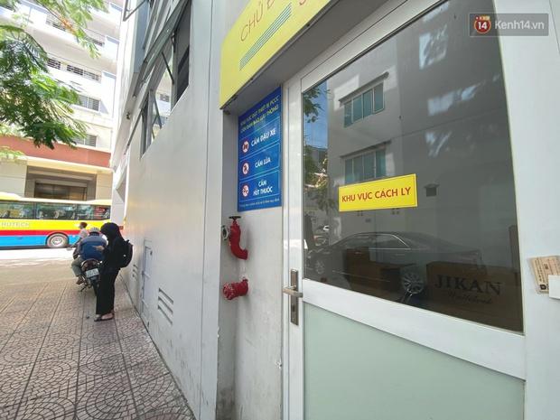 Đại học HUTECH vắng vẻ, các cửa hàng bên trong tạm dừng buôn bán sau khi BN1342 khai báo từng đến trường trong thời gian cách ly - Ảnh 2.