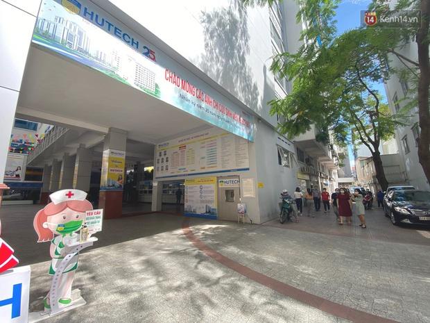 Đại học HUTECH vắng vẻ, các cửa hàng bên trong tạm dừng buôn bán sau khi BN1342 khai báo từng đến trường trong thời gian cách ly - Ảnh 1.