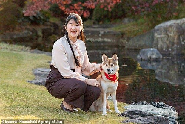 Công chúa Nhật Bản gây chú ý sau thời gian dài vắng bóng, xuất hiện với diện mạo trưởng thành trong bộ ảnh nhân dịp sinh nhật 19 tuổi - Ảnh 4.