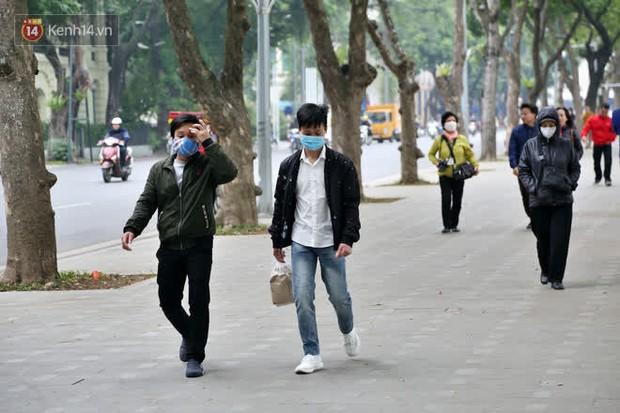 Người Hà Nội kích hoạt trạng thái phòng dịch COVID-19 sau khi TP.HCM có ca nhiễm cộng đồng - Ảnh 3.
