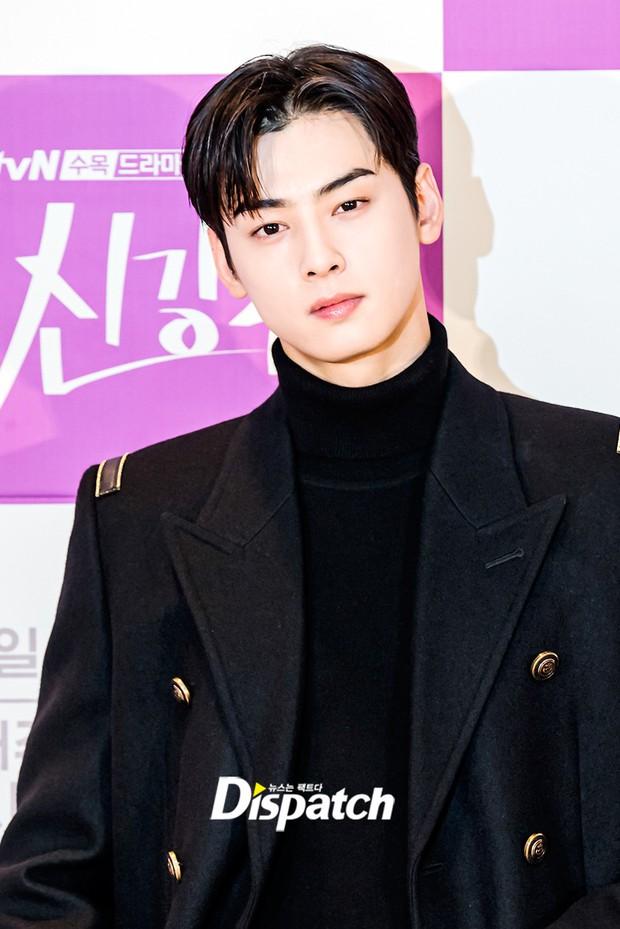 Cặp đôi Cha Eun Woo - Moon Ga Young khoe visual đẹp không góc chết tại sự kiện, nữ phụ nhăn nhó khó hiểu giật trọn spotlight - Ảnh 3.