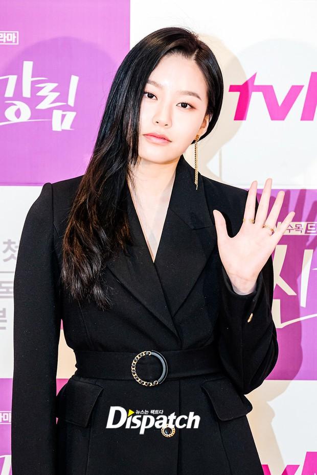 Cặp đôi Cha Eun Woo - Moon Ga Young khoe visual đẹp không góc chết tại sự kiện, nữ phụ nhăn nhó khó hiểu giật trọn spotlight - Ảnh 9.