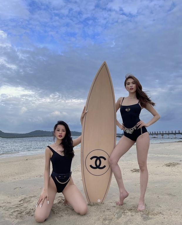 Ngọc Trinh và Chi Pu đợi mãi mới đến ngày ôm phản lao ra biển, khoe dáng nóng bỏng bên chiếc ván 250 triệu - Ảnh 6.
