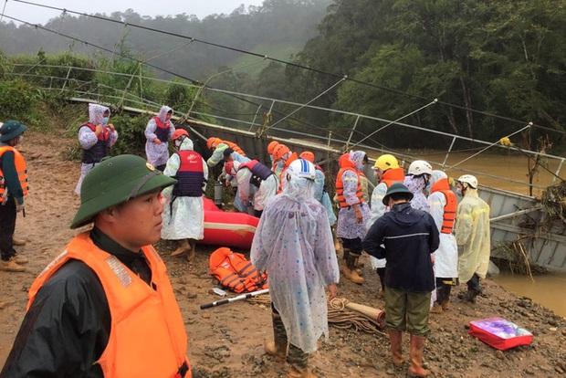 4 du khách bị lũ cuốn ở Lâm Đồng: Tìm thấy thi thể nạn nhân thứ 2 - Ảnh 1.
