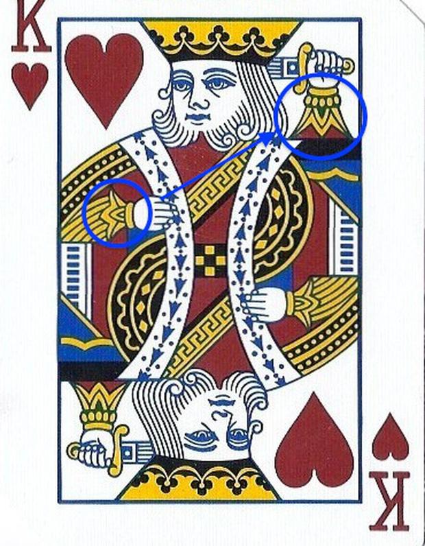 Giải mã bí ẩn bộ bài tây: Ai là kẻ đã giết nhà vua? Đây là câu trả lời - Ảnh 2.