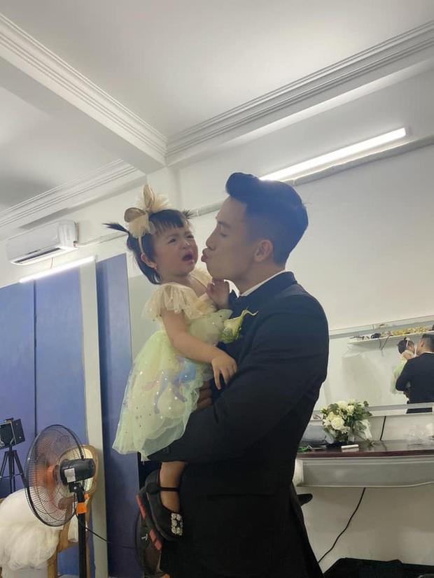 Hậu trường chụp ảnh cưới Tiến Dũng - Khánh Linh: Biểu cảm của con gái mới chiếm spotlight - Ảnh 1.