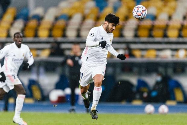 Real Madrid thất bại trên đất Ukraine lạnh giá - Ảnh 6.