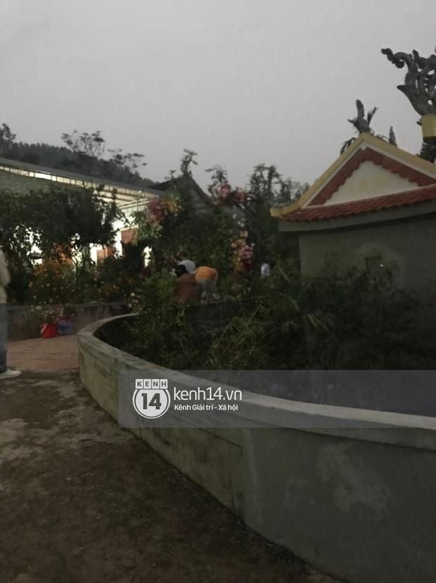 Tiệc đãi khách trước đám cưới Công Phượng ở Nghệ An: Chú rể rạng rỡ liên hoan cùng gia đình, khách đông như trẩy hội, hé lộ lễ đường cho hôn lễ ngày mai! - Ảnh 14.