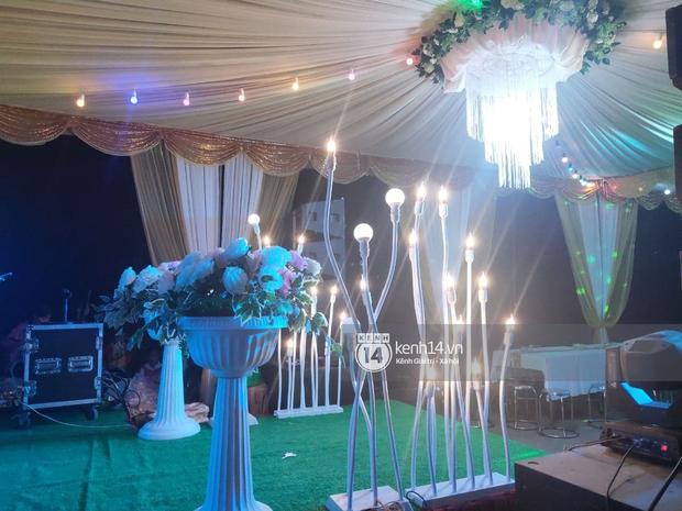 Tiệc đãi khách trước đám cưới Công Phượng ở Nghệ An: Chú rể rạng rỡ liên hoan cùng gia đình, khách đông như trẩy hội, hé lộ lễ đường cho hôn lễ ngày mai! - Ảnh 13.