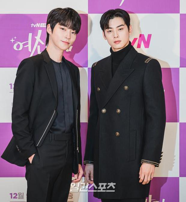 Cặp đôi Cha Eun Woo - Moon Ga Young khoe visual đẹp không góc chết tại sự kiện, nữ phụ nhăn nhó khó hiểu giật trọn spotlight - Ảnh 13.