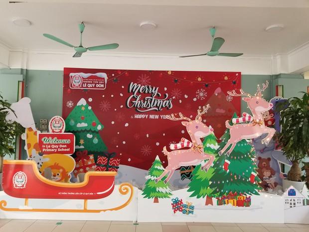 Dân tình tranh top trang trí Noel ở chỗ làm: Cứ gọi là ơ mây zing gút chóp các bạn ơi! - Ảnh 3.