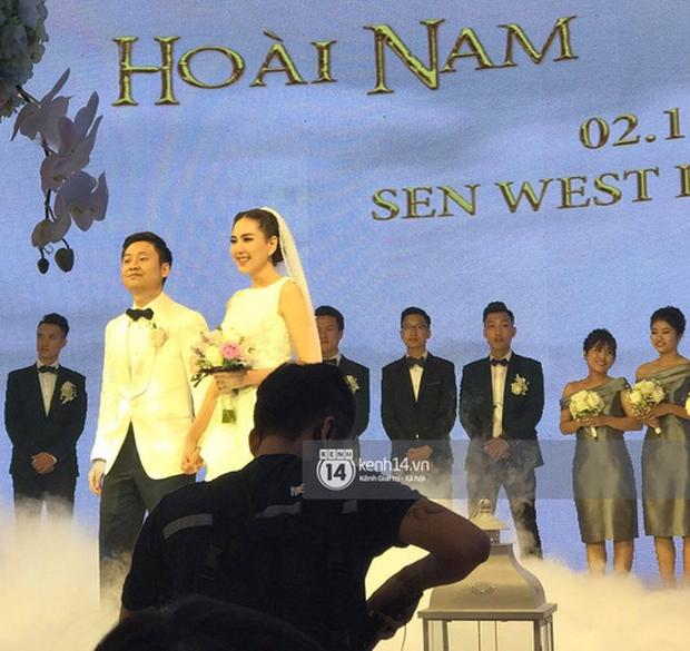 Series ảnh cưới của dàn hot girl đình đám: Nhan sắc tường thành, cả thập kỷ ngắm lại vẫn đỉnh! - Ảnh 23.