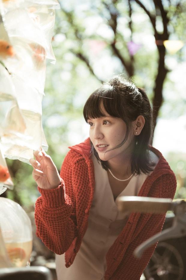 Sơn Tùng M-TP mặc vest điển trai còn Hải Tú thì xinh đẹp trong veo như mối tình đầu, fan xem MV mà xỉu ngang xỉu dọc - Ảnh 9.