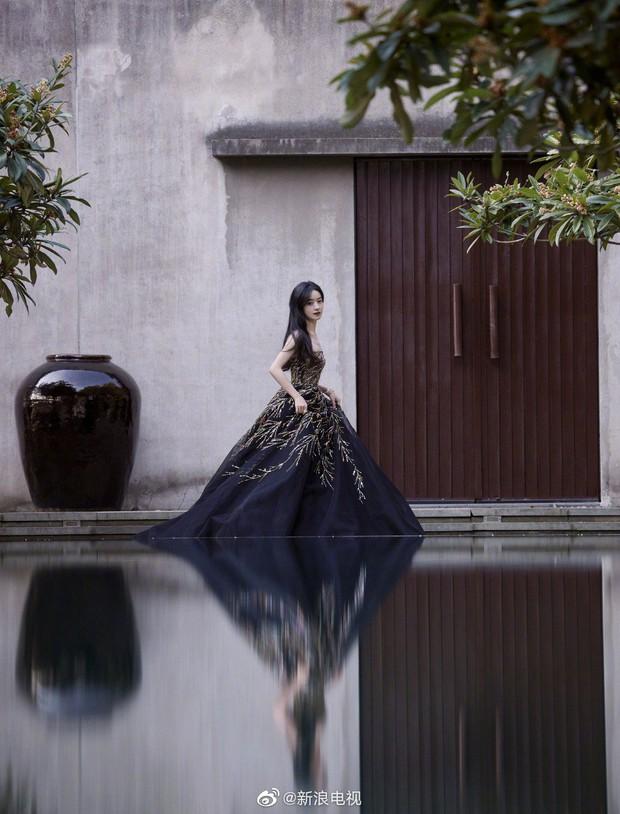 Siêu thảm đỏ Cbiz: Nhiệt Ba đẹp vô thực, chặt chém Dương Mịch - Dương Tử, Tiêu Chiến đọ vẻ soái ca bên Vương Nhất Bác - Ảnh 13.