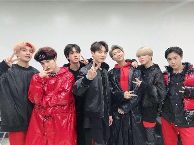 BTS diễn mừng năm mới ở Quảng trường Thời đại (Mỹ) với cát-xê 23 tỷ đồng cho 2 bài, netizen ủng hộ nhiệt tình vì lựa chọn cạch mặt MBC - Ảnh 3.