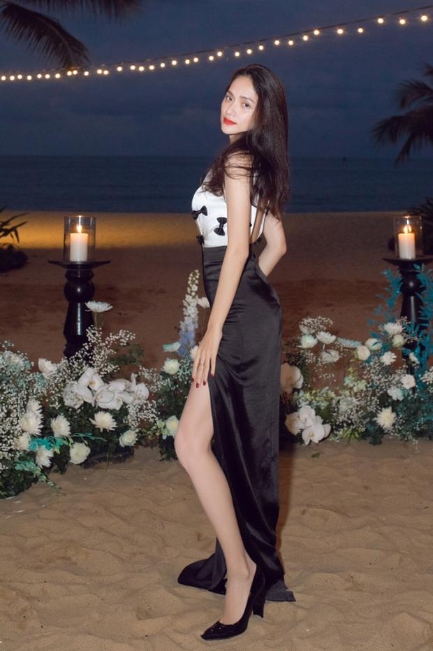 Bữa tiệc nóng bỏng Vbiz: Mai Phương Thuý - Hương Giang bức tử vòng 1 khủng, nàng Hậu gây choáng vì như người khổng lồ - Ảnh 5.