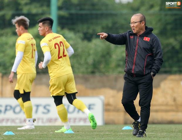 HLV Park Hang-seo: Tuyển Việt Nam có thể thua đội U22 - Ảnh 1.
