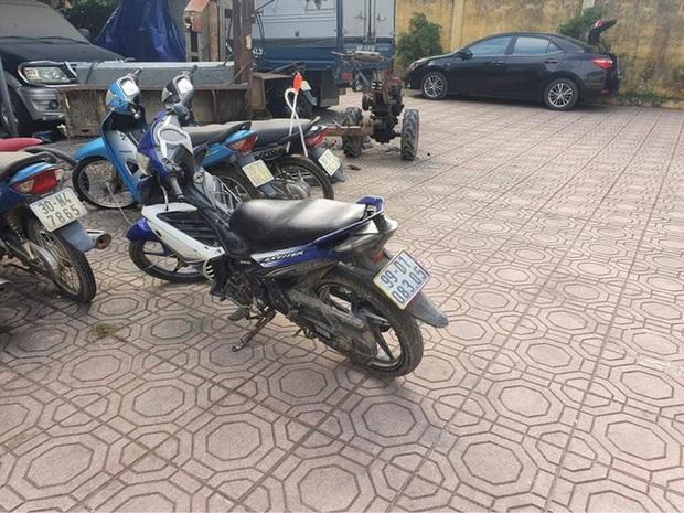 Bắc Ninh: Hai kẻ trộm chó hung hãn, đâm xe máy vào tổ công an khi bị chặn đường vây bắt - Ảnh 2.