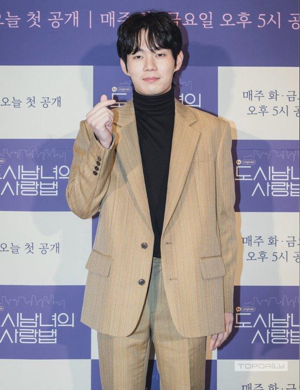 Sự kiện cực hot: Cặp đôi cực phẩm Ji Chang Wook - Kim Ji Won bùng nổ nhan sắc, 2 diễn viên Hậu Duệ Mặt Trời hội ngộ - Ảnh 9.