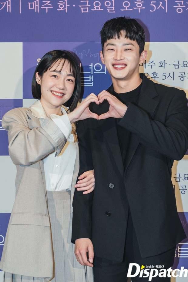Sự kiện cực hot: Cặp đôi cực phẩm Ji Chang Wook - Kim Ji Won bùng nổ nhan sắc, 2 diễn viên Hậu Duệ Mặt Trời hội ngộ - Ảnh 14.