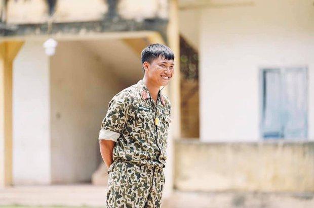 Mũi trưởng Long chính là một soái ca quân nhân phiên bản đời thực