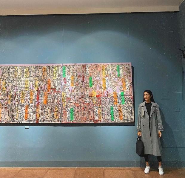 Hà Tăng và Louis Nguyễn tay chặt tay khoe visual đỉnh cao, ảnh sống ảo giữa phố thôi mà tròn 100 điểm - Ảnh 4.