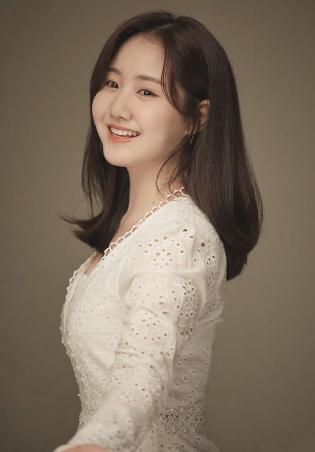 """Sao nhí xấc láo nhất Gia Đình Là Số 1 lột xác thành """"rich kid"""" Penthouse Jin Ji Hee: Đã dậy thì ngoạn mục còn có thành tích khủng ở trường danh giá - Ảnh 8."""