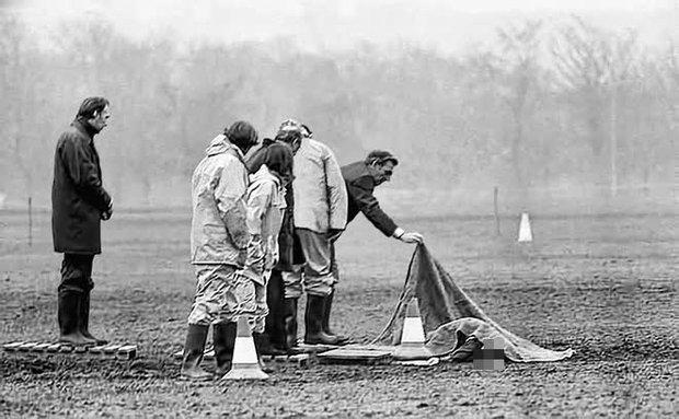 Kỳ án Đồ Tể Yorkshire gây sốc: Kẻ máu lạnh giết 13 người phụ nữ rồi làm trò biến thái vì sùng đạo, gieo ác mộng kinh hoàng lên lịch sử nước Anh - Ảnh 5.