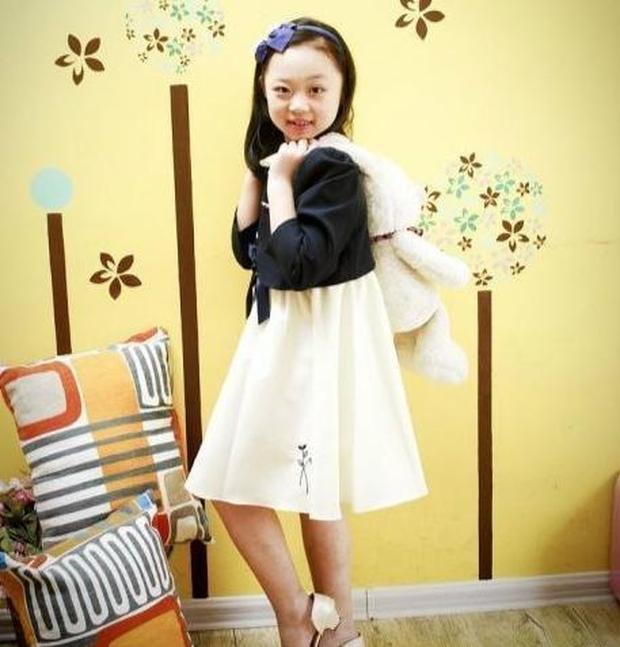 Netizen xứ Trung gây phẫn nộ khi so sánh nhan sắc Kim Hee Sun với con gái, nghi ngờ nữ diễn viên dao kéo quá đà - Ảnh 5.