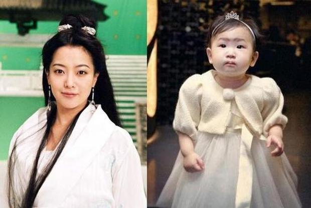 Netizen xứ Trung gây phẫn nộ khi so sánh nhan sắc Kim Hee Sun với con gái, nghi ngờ nữ diễn viên dao kéo quá đà - Ảnh 4.