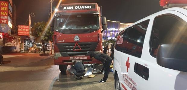 Va chạm với xe container, 1 thai phụ tử vong, 1 người bị thương  - Ảnh 1.