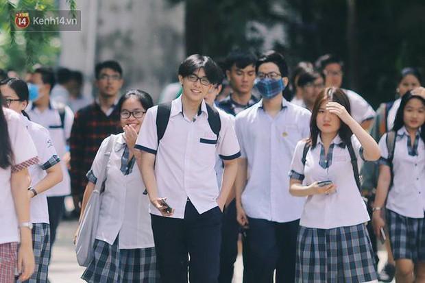10 năm và 5 thay đổi lớn của giáo dục Việt Nam: Sổ liên lạc đi vào dĩ vãng, không còn cảnh cha mẹ đưa con lên thành phố thi Đại học - Ảnh 6.