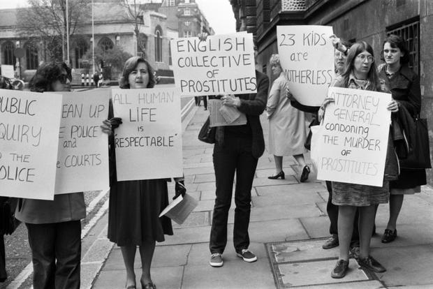 Kỳ án Đồ Tể Yorkshire gây sốc: Kẻ máu lạnh giết 13 người phụ nữ rồi làm trò biến thái vì sùng đạo, gieo ác mộng kinh hoàng lên lịch sử nước Anh - Ảnh 7.