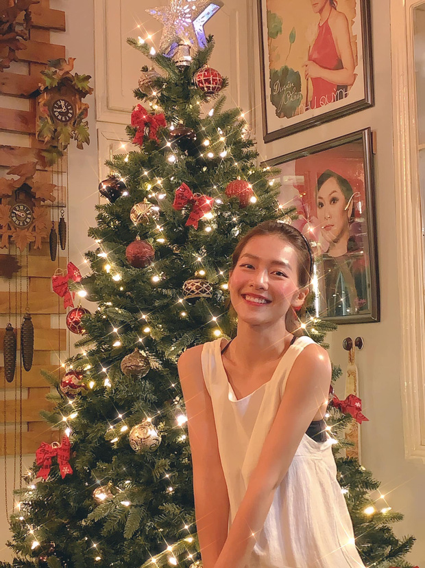 Sao Vbiz đón Noel: Dinh thự nhà Cường Đô La - Lan Khuê lên đồ hoành tráng, Hà Tăng mở tiệc sang, Hoàng Oanh vỡ oà ở Singapore - Ảnh 16.