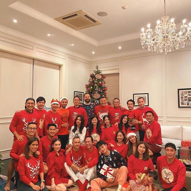Sao Vbiz đón Noel: Dinh thự nhà Cường Đô La - Lan Khuê lên đồ hoành tráng, Hà Tăng mở tiệc sang, Hoàng Oanh vỡ oà ở Singapore - Ảnh 6.
