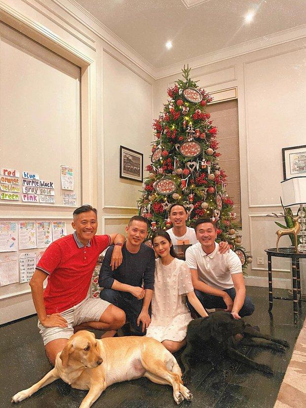 Sao Vbiz đón Noel: Dinh thự nhà Cường Đô La - Lan Khuê lên đồ hoành tráng, Hà Tăng mở tiệc sang, Hoàng Oanh vỡ oà ở Singapore - Ảnh 5.