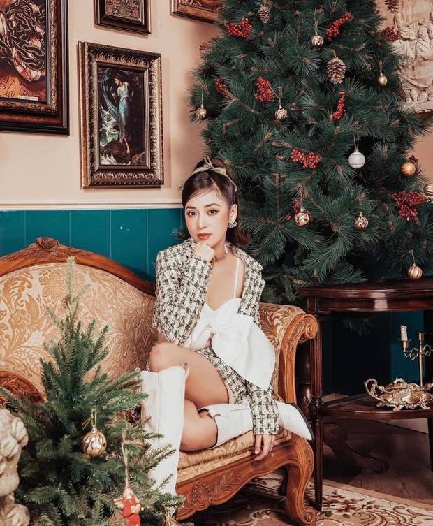 Sao Vbiz đón Noel: Dinh thự nhà Cường Đô La - Lan Khuê lên đồ hoành tráng, Hà Tăng mở tiệc sang, Hoàng Oanh vỡ oà ở Singapore - Ảnh 17.