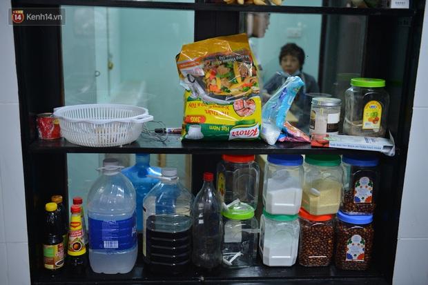 """Quán cơm đặc biệt 2 nghìn đồng ở Hà Nội: """"Mời cô, dì, chú, bác vào ăn cơm - Ảnh 6."""