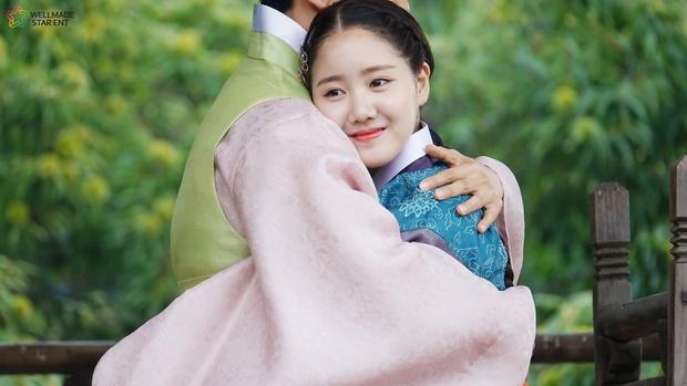 """Sao nhí xấc láo nhất Gia Đình Là Số 1 lột xác thành """"rich kid"""" Penthouse Jin Ji Hee: Đã dậy thì ngoạn mục còn có thành tích khủng ở trường danh giá - Ảnh 15."""