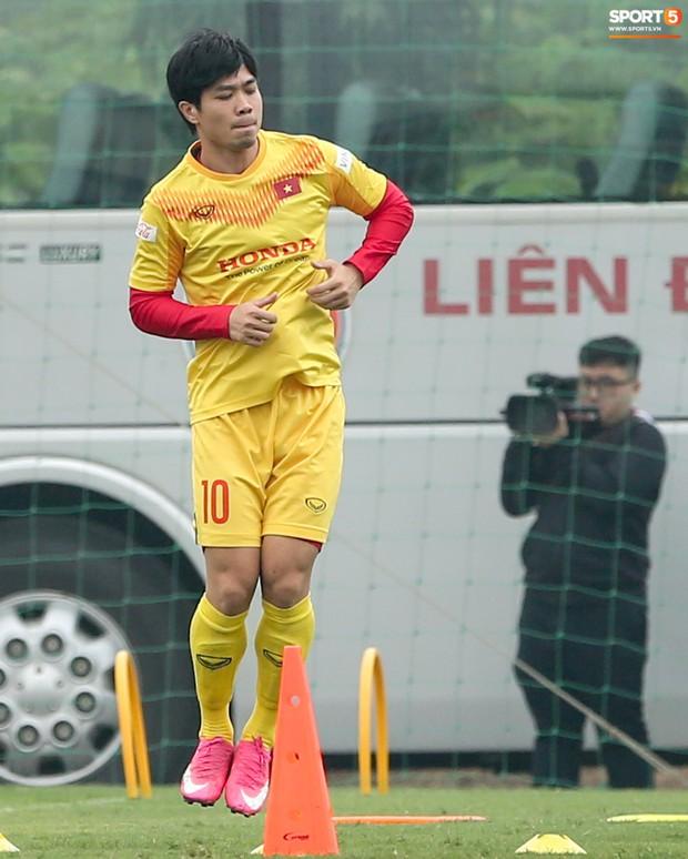 Công Phượng, Quang Hải có thể không cùng tuyển Việt Nam đấu U22 tối nay - Ảnh 1.