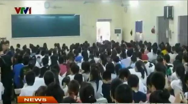 10 năm và 5 thay đổi lớn của giáo dục Việt Nam: Sổ liên lạc đi vào dĩ vãng, không còn cảnh cha mẹ đưa con lên thành phố thi Đại học - Ảnh 3.